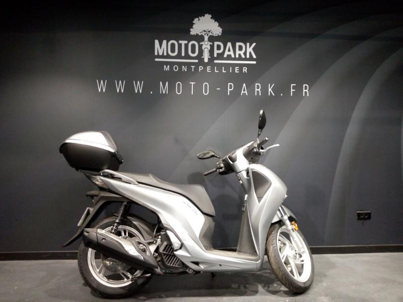 moto SH 125i Top Box ABS 2017