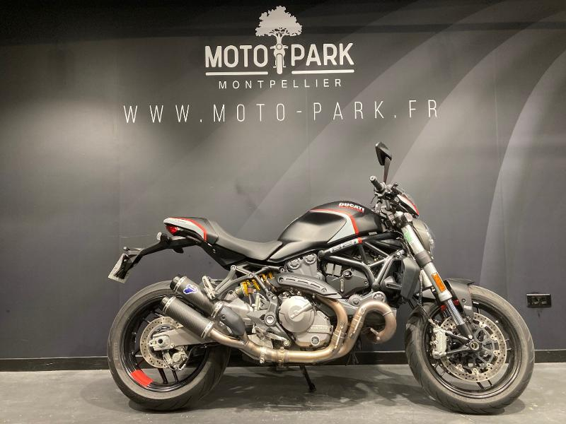 moto Monster 821 Stealth ABS